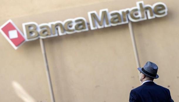 Banca Marche: domani udienza insolvenza
