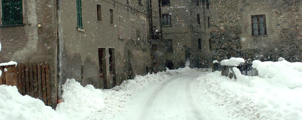Nevica in tutta la provincia, disagi per chi va a Livigno