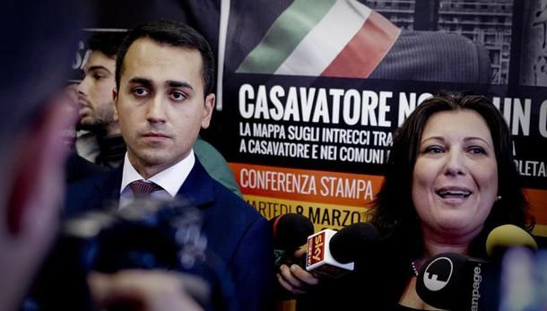 M5s: via a consultazione web per Napoli