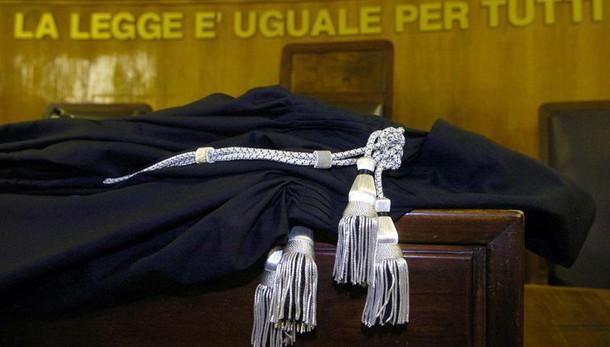 Tribunale Roma affida 3 figli a 2 mamme