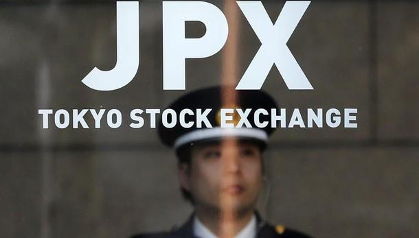 Borsa: Tokyo chiude in netto calo,-3,55%