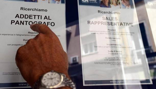 Istat, disoccupazione sale all'11,7%