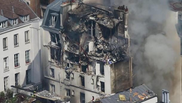 Polizia, esplosione Parigi è fuga gas
