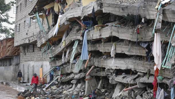 Crollo Nairobi, 20 i morti 73 dispersi