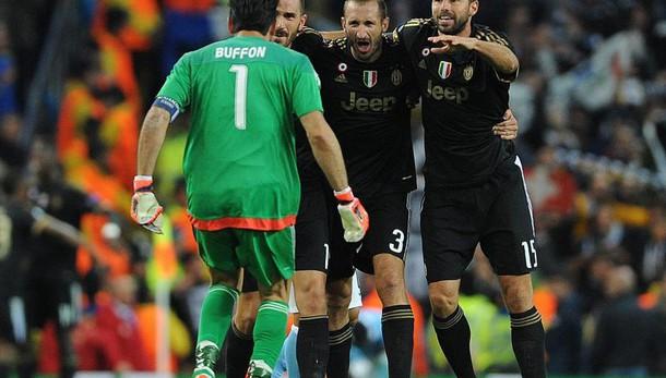 Juventus: Buffon e Barzagli fino al 2018
