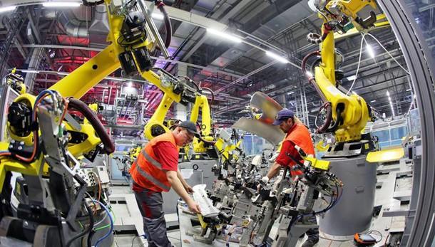 Produzione industriale ferma a marzo