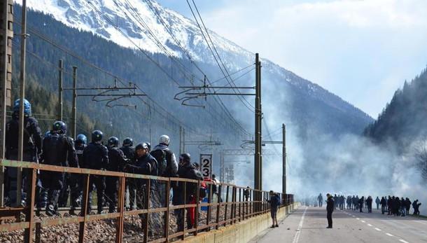 Migranti:da Austria 80 agenti a Brennero