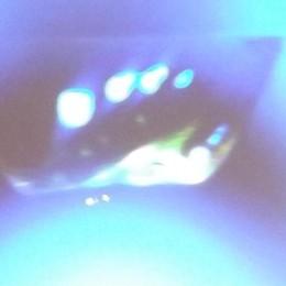 Foto anonime consegnate in biblioteca  Strano oggetto volante a Lanzada