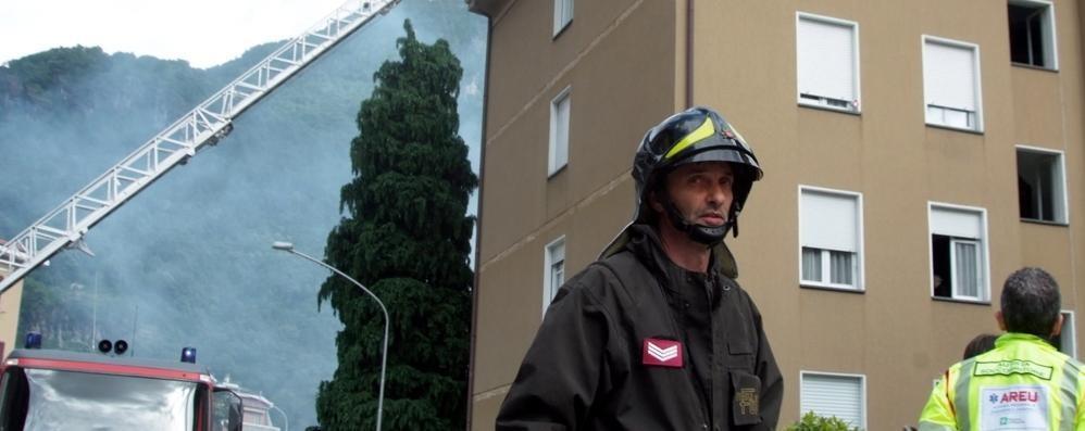 Rogo a Chiavenna, pannelli in fumo e due famiglie sfollate
