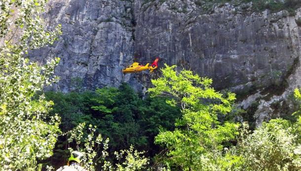 Base jumper muore in Trentino, a Dro