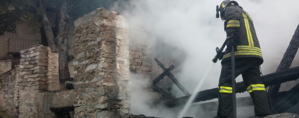 Gli incendi di Villa di Chiavenna  «I piromani non avevano un bersaglio»