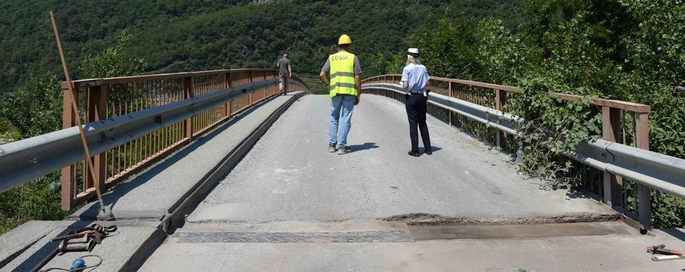 Troppi carichi, cede il ponte di Paniga