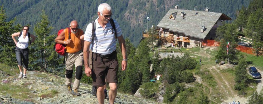 I turisti riempiono i rifugi, ma snobbano Tirano