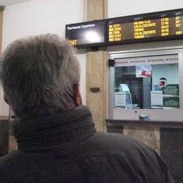 Nuovi disagi sulla tratta Milano-Tirano  «Un guasto e problemi su tutta la linea»