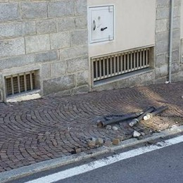 «Basta vandalismi in paese»  Il sindaco Grassi alza la voce