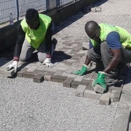 Migranti al lavoro in paese  Grazie a un'intesa a quattro