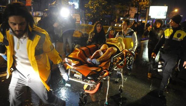 Istanbul: 39 i morti, 15 sono stranieri