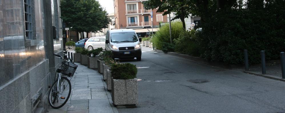 Il Comune di Tirano pensa alle strade  «Porfido e nuovo asfalto»