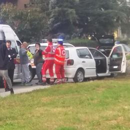 Auto contro muro a Dubino, due feriti lievi  Carambola a Teglio, 4 vetture coinvolte