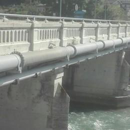 Ponte di Stazzona, continuano i divieti  Ma c'è la deroga per i bus degli studenti