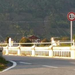 Ponte di Stazzona, stop ai mezzi pesanti