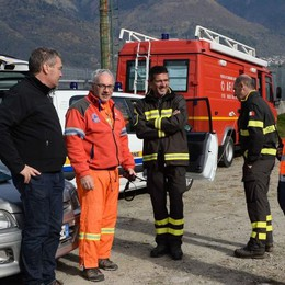 Incendio domato, bonifica al via Riaperta anche la provinciale