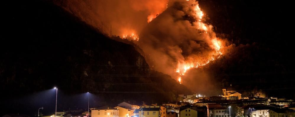 I tre giorni di fuoco di Tartano  «Danni per almeno 200mila euro»