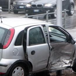 Scontro tra due auto sulla statale a San Cassiano