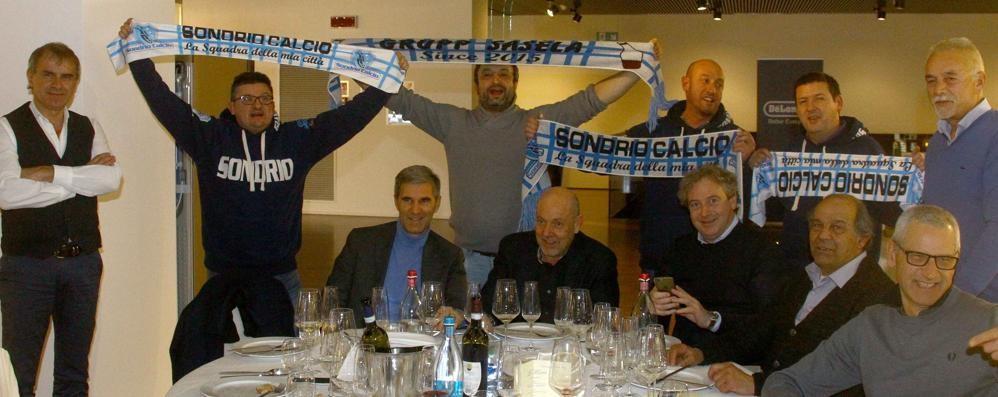 Calcio eccellenza festa con i tifosi per il sondrio for Pezzini arredamenti morbegno