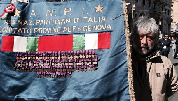 Ultradestra a Genova, è polemica