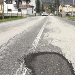 Buche sulle strade, «mancano i fondi»