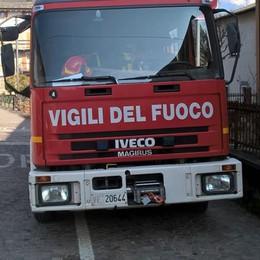 Villetta distrutta dalle fiamme a Civo