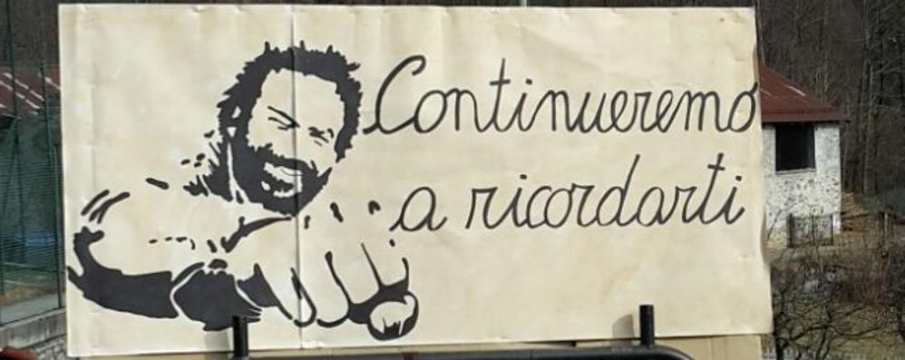 Lanzada, la sfilata dedicata a Bud Spencer: la figlia Cristiana ringrazia