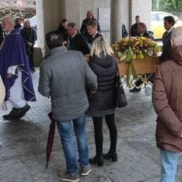 Sondrio, morto in sella alla sua moto  L'ultimo saluto a San Rocco