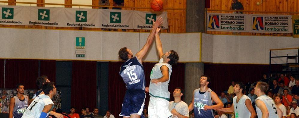 Basket, palla a due per il Circuit al Pentagono
