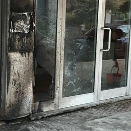 Vandalismo in via Caimi: si indaga a Sondrio
