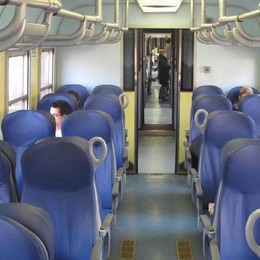 «Sui treni serve più sicurezza Mettete tornelli anche in Valle»