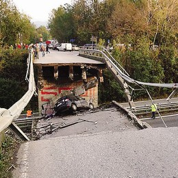 «Il crollo del ponte sulla super 36 si poteva evitare»