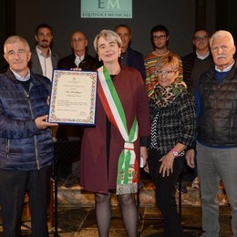 Cerimonia per la cittadinanza a don Ilario
