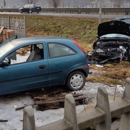 Pauroso scontro sulla statale 38  Due feriti in ospedale