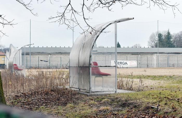 Il centro sportivo di Orsenigo in stato di abbandono