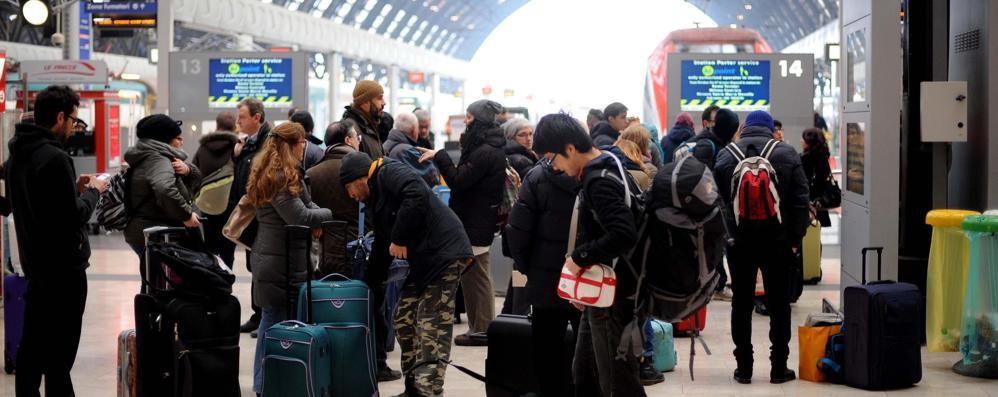 Il treno non c'è, ore d'attesa a Milano