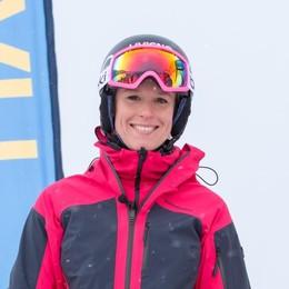 Federica cambia sport: a lezione di sci