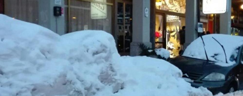 Neve sulle strade e pochi posteggi   «Multati nonostante i problemi»