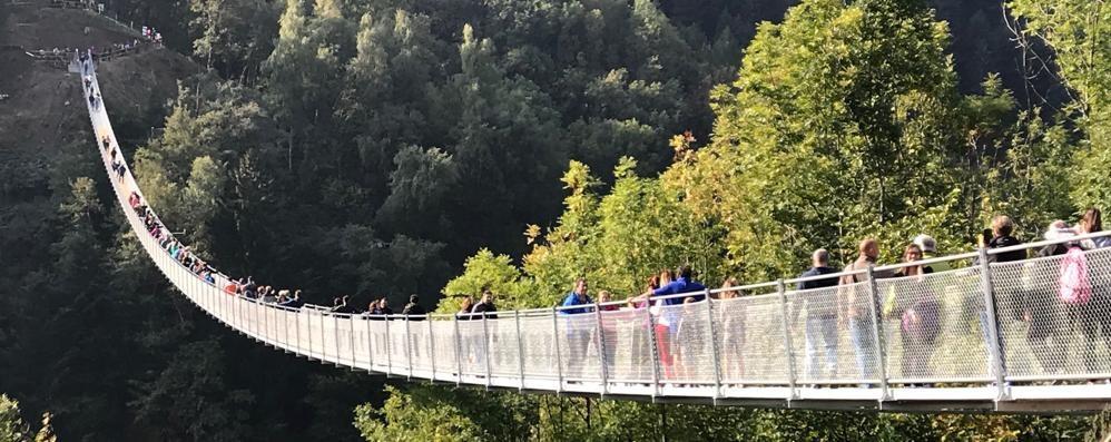 Troppi gli arrivi per il Ponte nel cielo  Nel week end ci sarà il numero chiuso