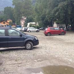 Chiude il parcheggio a Chiavenna, lavori in partenza: in arrivo 100 posti auto