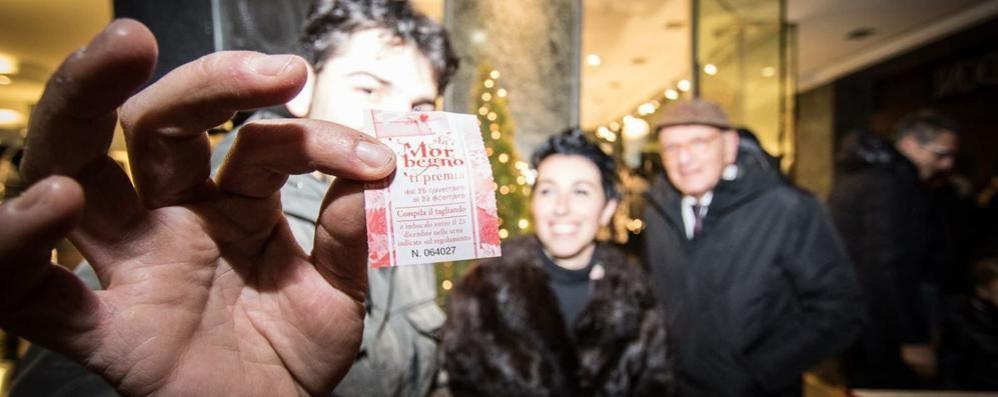 Morbegno pronta ad accendere il Natale  Giochi di luci, albero in piazza e lotteria