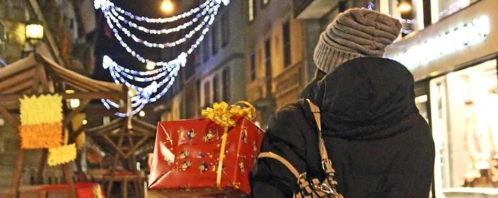 Natale di shopping a Sondrio, torna la lotteria sotto l'albero