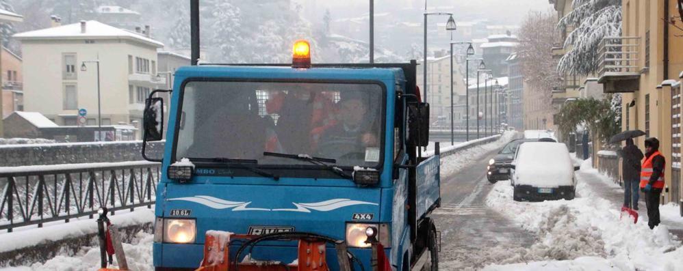Nessuno vuole pulire la neve dalle strade di Sondrio e frazioni
