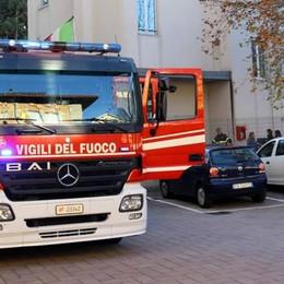Allarme incendio, scuola evacuata  Un mistero l'odore di bruciato in bagno